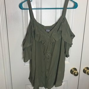 NWT cold shoulder ruffled size XL